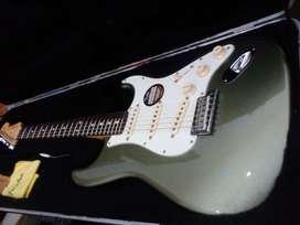 Fender American Standard Stratocaster Jade Pearl Metallic MINT papeles año 2012