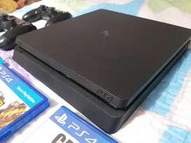 PS4 1TB+2 mandos+ 5 juegos