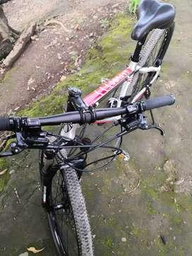Bicicleta hidráulica seminueva