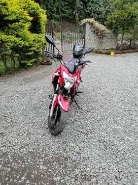 Vendo linda moto flamante atoda prueba