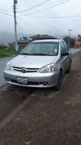 Vendo Toyota yaris  2005      $7.800