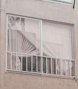 Se vende ventana en aluminio