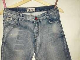 Vendo jeans de hombre  y mujer  usado y buen estado