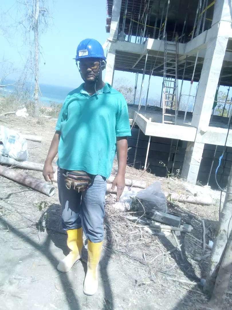 realizo todo tipo de trabajo en el area de la albañileria y construccion 0