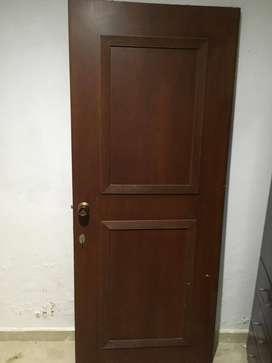 Puerta en madera con doble chapa