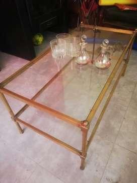 Lujosa mesa ratona bronce y vidrio