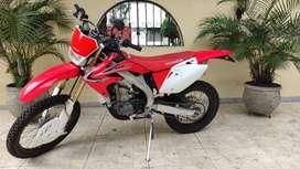Moto HONDA 450X modelo 2015 Enduro