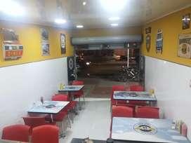 Negocio de Comidas Rápidas (EXCELENTE ubicación), apto para restaurante