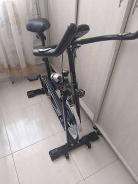 Se vende bicicleta estatica como nueva