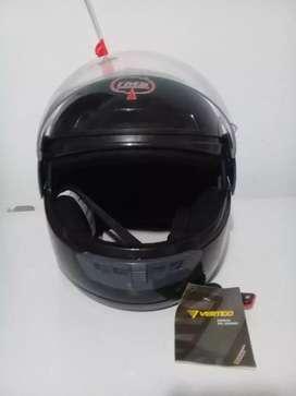 Casco vértigo nuevo y casco blanco usado