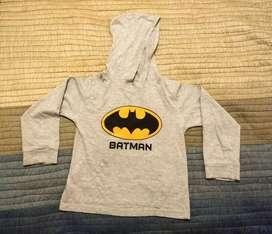 Buzo o remera infantil manga larga Batman. Con capucha. Niños de 5 a 6 años