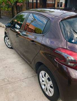 Peugeot 208 1.6 Active Año 2017 Impecable