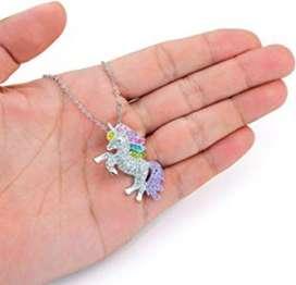 Cadena Y Pulsera de Unicornio. Material plata