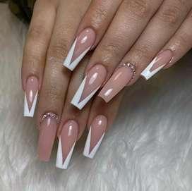 Quieres aprender el arte de las uñas?