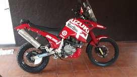 Suzuki DR 750s BIG, Dakar