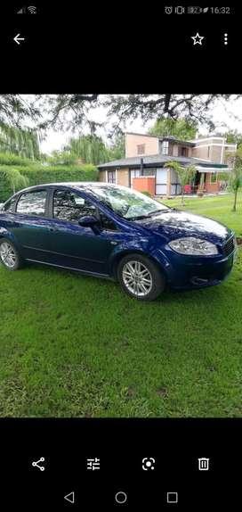 FIAT LÍNEA color azul , Modelo 2009, caja automática !!!