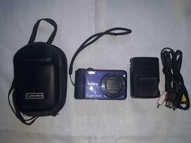 Camara Sony  H70