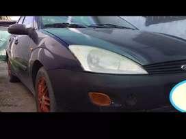 Vendo o permuto ford focus 2000