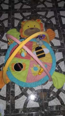 Gimnasio para bebe marca carestino