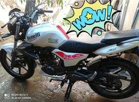 Vendo Moto Benelli TNT 15