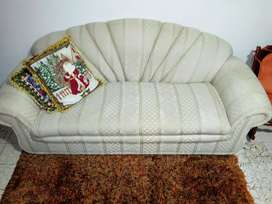 Sofa de tres puestos