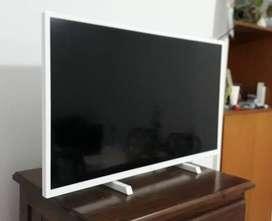 """Smart TV Philips LED HD 32"""""""