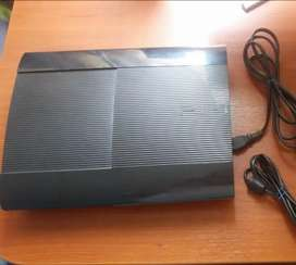 Vendo play 3   500G de memoria con 35 juegos 1 mando estado 9 de 10 chipeado