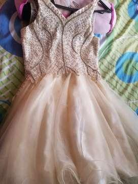 Vestido de niña elegante tipo corsel con piedras