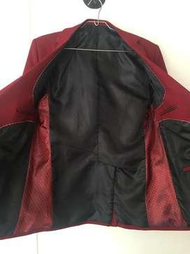 Vendo vestido talla 16 para niño, incluye chaqueta, pantalón y camisa!