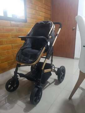 Se vende coche bebé tipo Moisés