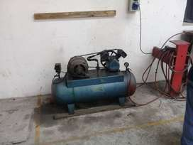 Compresor trifacico 120lts