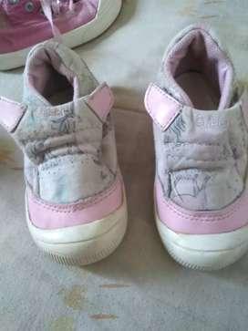 Zapatos de nena talle 22