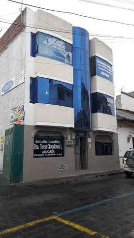 Arriendo Edificio de 4 pisos en el centro de Latacunga