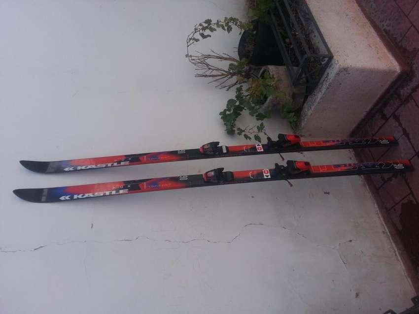 ESQUIS SKI KASTLE 198 cm con Fijaciones ROSSIGNOL 0
