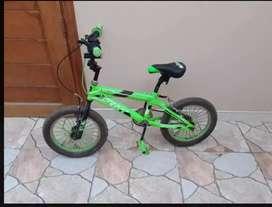 Vende bicicleta para niño(a)