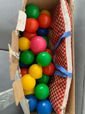 Espacio de pelotas baby fitnes