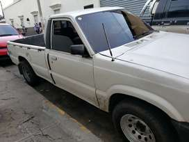 Vendo pick up mazda Diesel año 94 en 4200