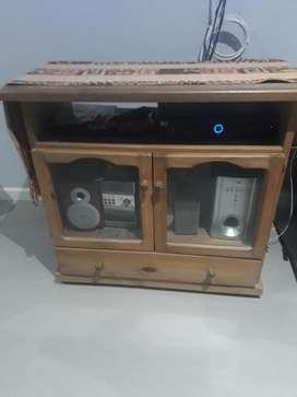 Mesa para Tv de Pino.