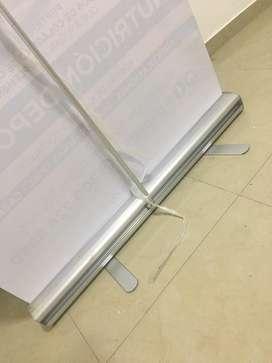 Pendon enrollable en aluminio