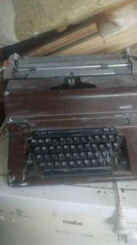 Maquina de escribir marca facit