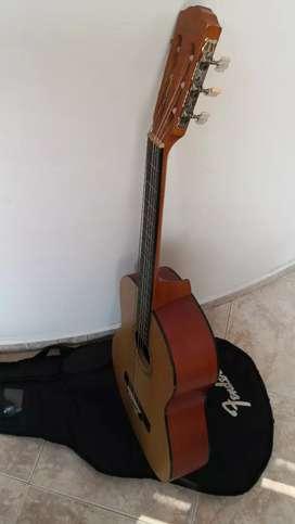 Guitarra Fender buen precio, no se usa. Tal cual se ve en las fotos.
