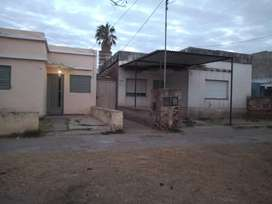 Dueño vende en Córdoba capital terreno con 5 departamentos a reciclar .
