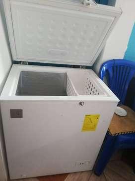 Venta de congelador de 5 pies electrolux
