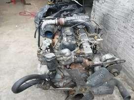 Vendo motor hino 205 conpleto con caja