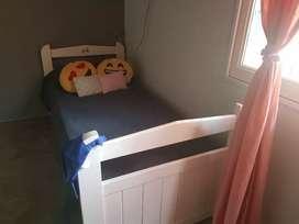 Liquido !Hermosa cama con cajonera