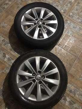 Llantas de aleacion originales VW FOX con cubiertas bridgestone