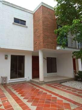 Gran Oportunidad, casa en arriendo frente al Colegio Bilingüe urbanizacion conjunto cerrado los Corales arriendo Directo