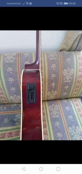 Guitarra Electro Acustica en Buen Estado