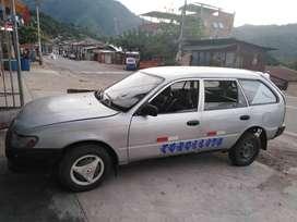 Se vende auto TOYOTA COROLLA petrolero