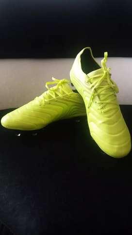 Guayos Adidas copa 19.1
